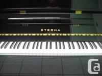Rarely used yamaha piano 9/10 condition comes with