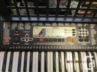 Excellent condition. 61-Keys; 100 sounds; Includes AC