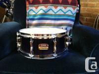Beautiful Yamaha snare drum Wood shell Comes with new