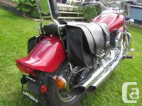 Gorgeous Ride with only 10*** km. 1999 Yamaha V Star