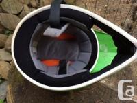 HJC Kane CL-X5N helmet, green. Has some sticker residue