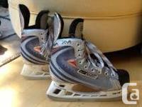 Previously enjoyed Size 4 Nike Vapor Youth Hockey